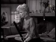 Phyliss Derring (Joan Marshall) 4