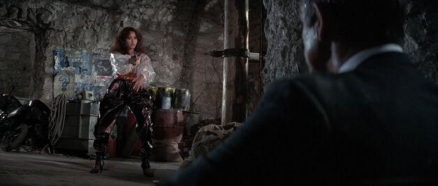 Fatima Blush (played by Barbara Carrera) Never Say Never Again 201-0