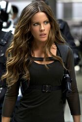 Kate-Beckinsale-in-Total-Recall-3