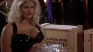 Tanya Peters in Naked Gun 3 (played by Anna Nicole Smith) 362