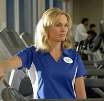 O the-trainer-2013-sunny-mabrey-chelsea-hobbs-4c00