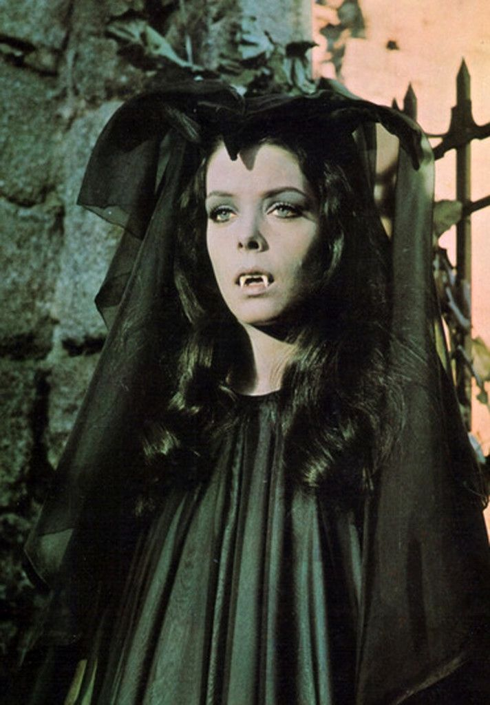 Countess Wandessa (Werewolf vs the Vampire Woman ...
