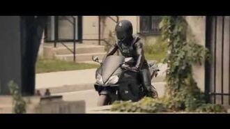 Leather Biker Girl in L'appat (2010)-1