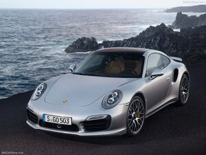 Porsche-911 Turbo S 2014 800x600 wallpaper 01