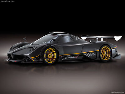 Pagani-Zonda R 2009 800x600 wallpaper 03