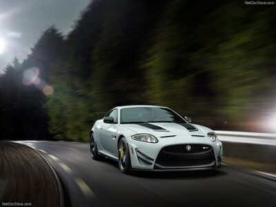 Jaguar-XKR-S GT 2014 800x600 wallpaper 01