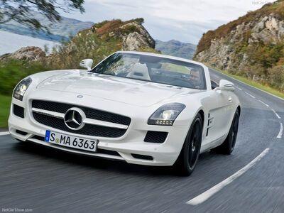 Mercedes-Benz-SLS AMG Roadster 2012 800x600 wallpaper 01