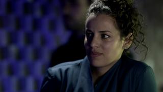 S01E01-AthenaKarkanis as OctaviaMuss 00