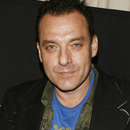 A tom sizemore pic