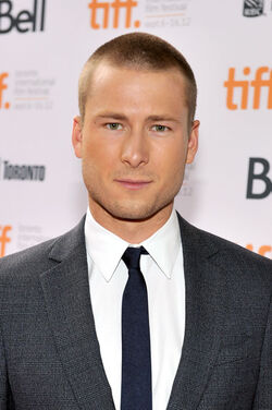 Glen Powell Writers Premiere Arrivals 2012 1V4LYCf-Qthl