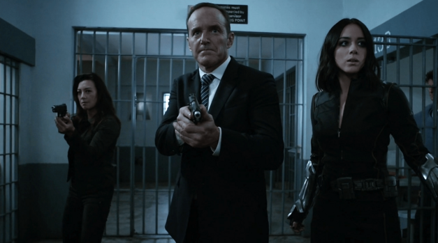 agents-of-shield-lockup-melinda-may-phil-coulson-daisy-johnson