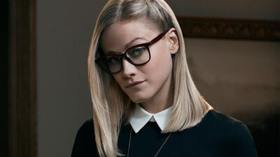 NYCC: Olivia Taylor Dudley 'The Magicians' Interview