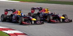 Sebastian Vettel overtaking Mark Webber 2013 Malaysia