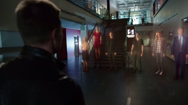 arrow-invasion-oliver-ghosts