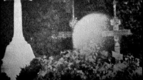 De Ni Ånder - (horror ambient with old paranormal pictures)