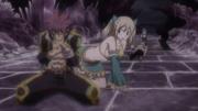 Lucy tente de réconforter Natsu