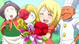 Lucy étant enfant porte la poupée d'Imitatia