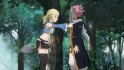 Lucy donne une pelle à Natsu