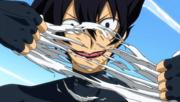 Kurohebi déchire la chaussette de Toby