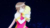Éclair hugs Momon