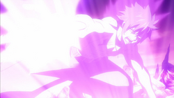 Gray ataca a Silver con su poder