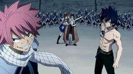 Natsu y Gray ayudan a Erza en su plan