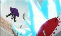 Gray ataca a una copia de Nullpuding Anime
