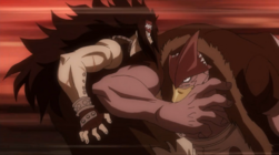 Torafuzar golpea a Gajeel