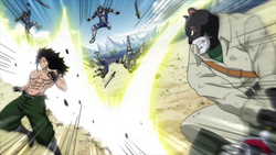 Panther Lily auxilia a Gajeel