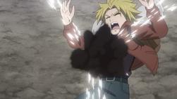 Yuri es Golpeado por la Bomba