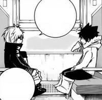 Pause y Gray hablan en el tren