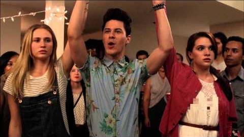 Premiere Trailer Faking It Season 1 MTV-0