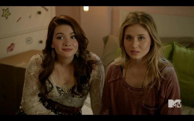 File:1x02 Amy & Karma01.png