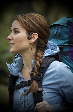 AfterShokz Sportz 3 M3 hiking lifestyle2