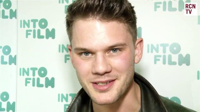 Jeremy Irvine talks Fallen!