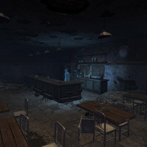 Всередині зруйнованого кафе
