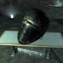 Голова знищеного Ліберті Прайму в лабораторії Цитаделі