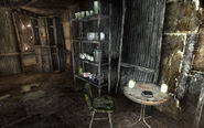FO3 Megaton Craterside Supply dining zone
