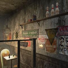 Вивіски на стінах