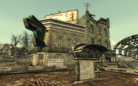 Fo3 NSS grocer exterior