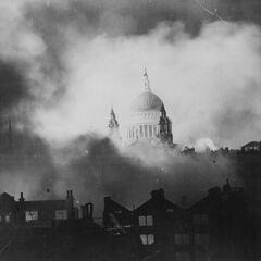 Слайд 4: Собор Святого Павла в Лондоні (1940)
