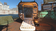 FO4 Wreck of the USS Riptide exterior 2