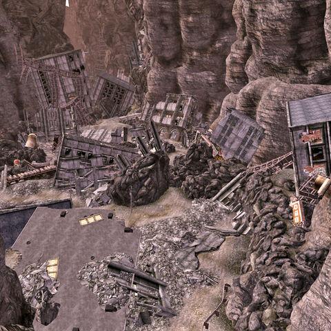 Вид зони перед будівлею
