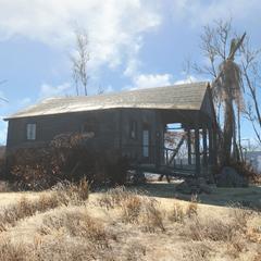 Будиночок зі зручностями на дворі