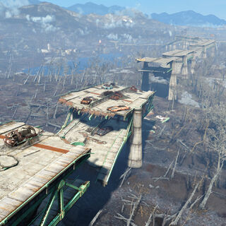 Вид на зруйновану автостраду