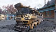 FO76 Morgantown High School (School bus)
