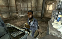 FO3 Harden Simms in the Lucas's room