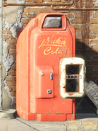 Nuka Cola vending machine FO4