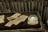 http://fallout.wikia.com/wiki/File:Nellis_AFB_snow_globe