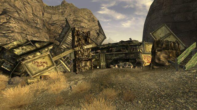 File:FNVLR Canyon wreckage.jpg